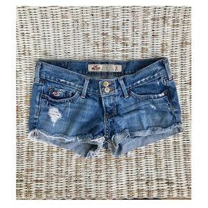 Pants - 🆕 {Hollister} Cut-off Jean Shorts